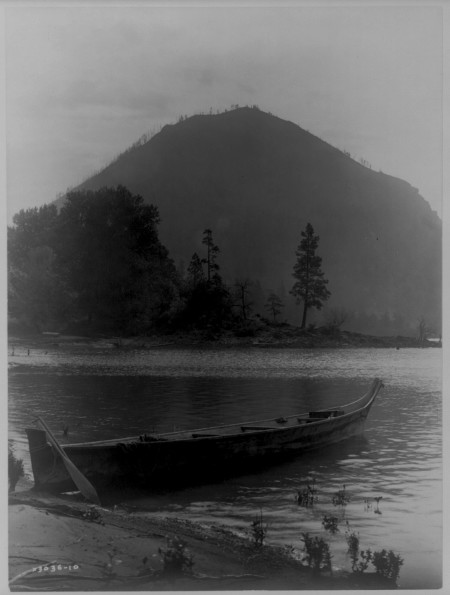 Auntie Virginia Miller's Canoe. Edward S. Curtis